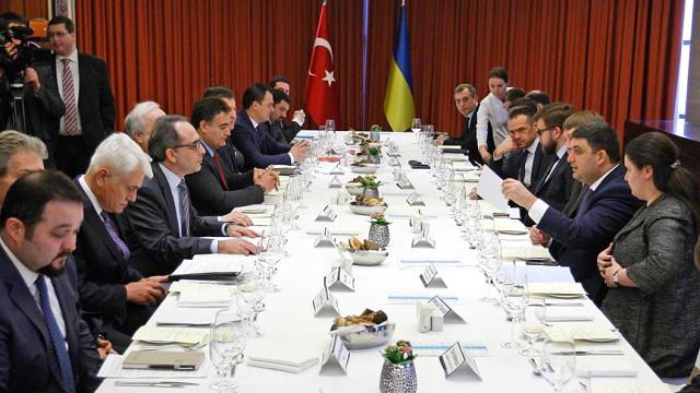 ukrayna-basbakani-groysman-turk-isadamlari-ile-9325567_8630_o