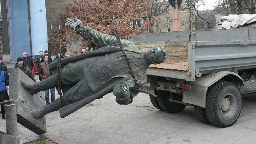 Sergey Kirov'un yaptığı Stailn heykeli. Fotoğraf: Eduard Andriuşçenko
